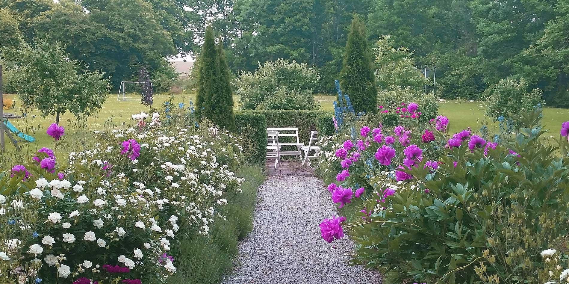 Fika, butik & mysig trädgård hos Madame Marsipan i Vellinge, Skåne